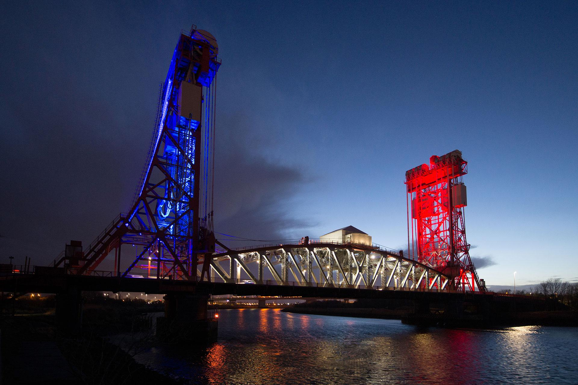 SCULP floodlights illuminate Tees Newport Bridge to create an iconic nocturnal landmark